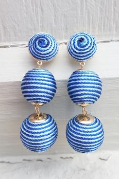 bubble earrings detail